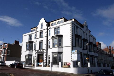 2 bedroom apartment for sale - Esplanade, Whitley Bay, Tyne & Wear, NE26