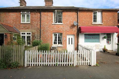 2 bedroom house to rent - St. Leonards Road, Horsham
