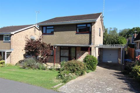 4 bedroom detached house to rent - Oak Hall Park, Burgess Hill
