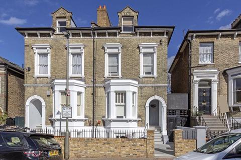 2 bedroom flat for sale - Ramsden Road, Balham