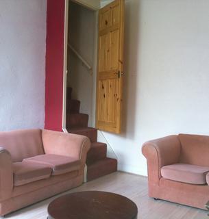 2 bedroom terraced house to rent - Glensdale Road Glensdale Road,  Leeds, LS9