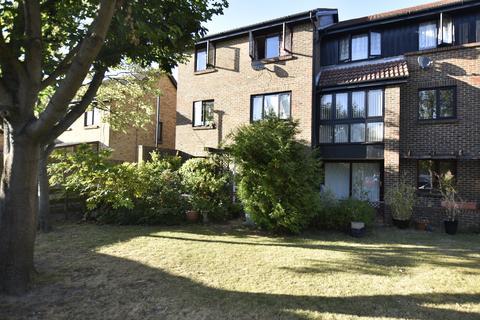 2 bedroom flat for sale - Foxwood Close, Brookside, Hanworth, TW13