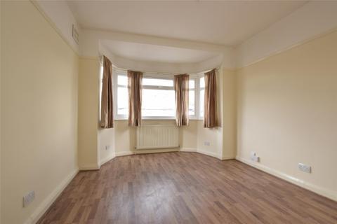 3 bedroom maisonette to rent - Oxtoby Way, LONDON, SW16