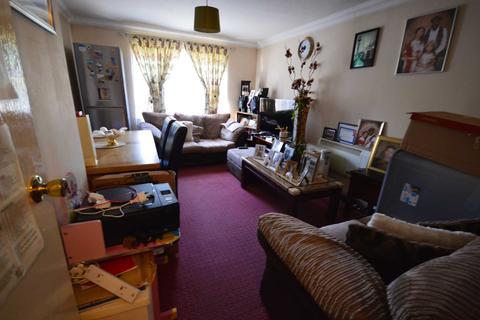 2 bedroom apartment to rent - Turnstone Close, Newham