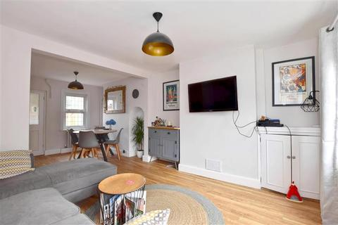 2 bedroom terraced house for sale - George Street, Tonbridge, Kent