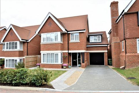 4 bedroom detached house for sale - Swallowtail Grove, FRIMLEY, Camberley, Surrey