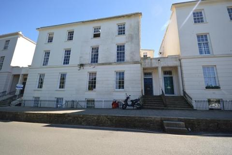 3 bedroom apartment to rent - Truro
