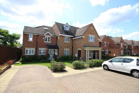 1 bedroom flat to rent - Gardener Walk, Holmer Green, Bucks, HP15 6TX