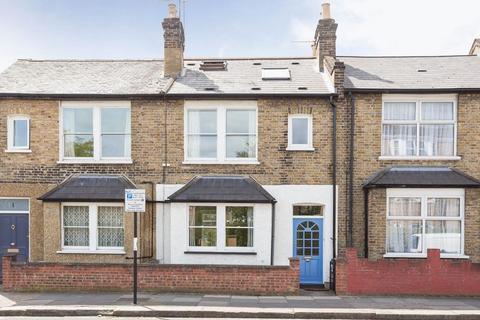 3 bedroom terraced house to rent - Batson Street W12