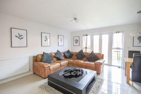 3 bedroom semi-detached house for sale - Queensbury Park Drive, Shelton Lock