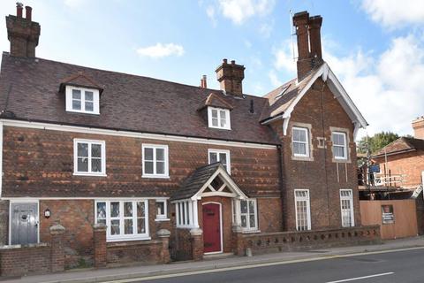 4 bedroom terraced house for sale - 128 High Street, Edenbridge