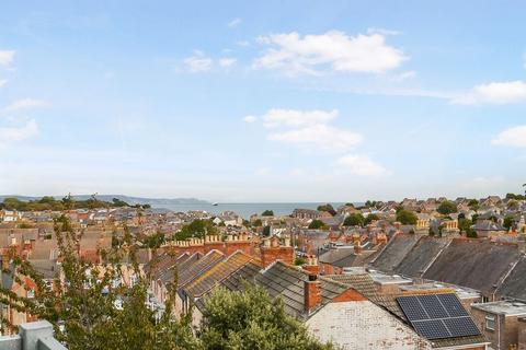 2 bedroom apartment for sale - Superb Top Floor Apartment, Rodwell Road, Weymouth