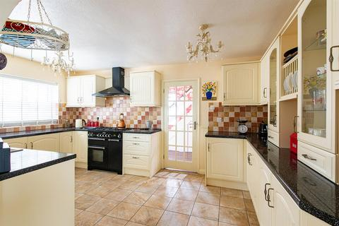 4 bedroom detached house for sale - Keycol Hill, Newington, Sittingbourne
