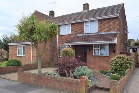 3 bedroom semi-detached house for sale - Thornham Road, Rainham
