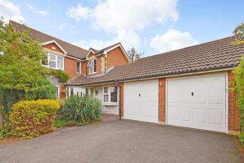 4 bedroom detached house for sale - Heron Forstal Avenue, Hawkinge, Folkestone, CT18