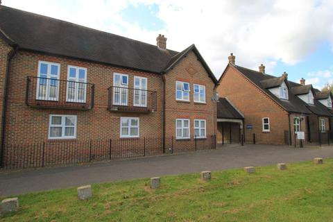 2 bedroom flat for sale - Rectory Fields, Glebelands, Cranbrook, Kent, TN17 3JB