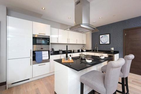 3 bedroom apartment for sale - Telcon Way, London, SE10