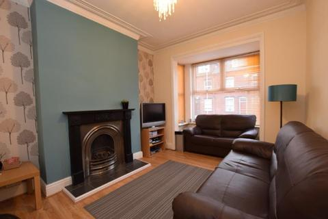 3 bedroom terraced house to rent - Wetherby Grove, Leeds, West Yorkshire, LS4