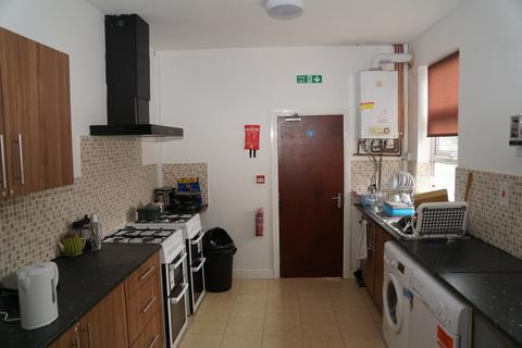 6 bedroom terraced house to rent - 107 Springfield Road, B13