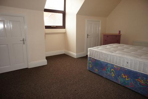 3 bedroom flat to rent - Room 1, 53A Yardley Road, B27