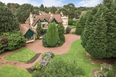 5 bedroom detached house for sale - The Old Parsonage, 35 East Barnton Avenue, EH4 6AH