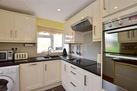 3 bedroom semi-detached house for sale - Priestley Drive, Tonbridge, Kent