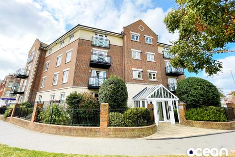 2 bedroom flat to rent - fla4 19 alexander Heights , the broadway, thorpe bay, essex SS1