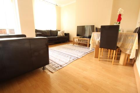 2 bedroom flat to rent - Knightland House, London, E5