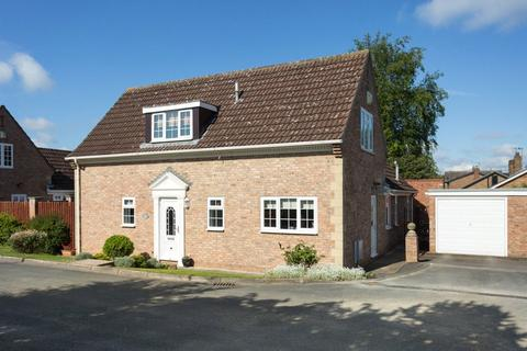 3 bedroom detached house for sale - Chalfonts, York, YO24