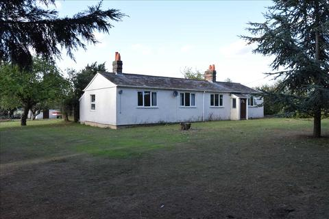 3 bedroom bungalow for sale - Well House Bungalow, Littley Green Road, Howe Street, Chelmsford