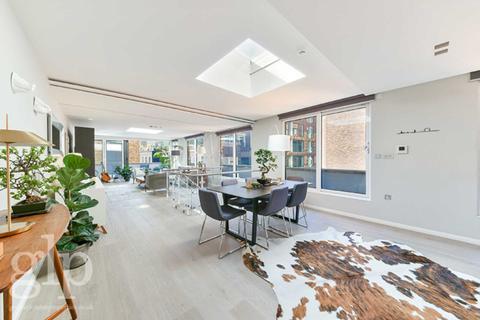 3 bedroom flat for sale - Stukeley Street, London, WC2B