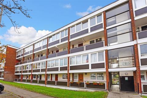 4 bedroom maisonette to rent - Sherfield Gardens, Roehampton