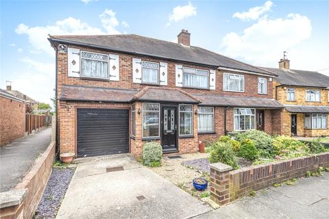 5 bedroom semi-detached house for sale - Meadow View Road, Hayes, Middlesex, UB4