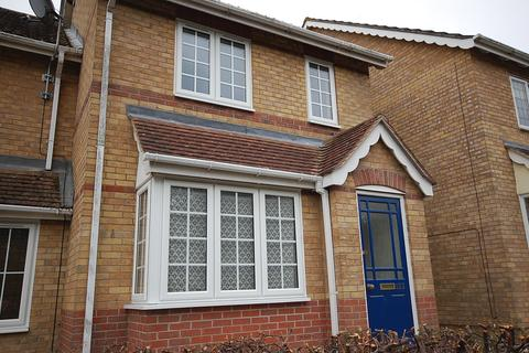 2 bedroom terraced house to rent - Hawthorn Close, Halstead, Essex CO9