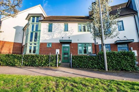 4 bedroom mews to rent - Shackerstone Close, Broughton, Milton Keynes MK10