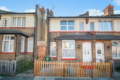 2 bedroom end of terrace house to rent - Elm Road, Slade Green, DA8