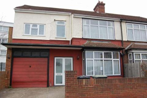 5 bedroom semi-detached house to rent - Luton, LU4