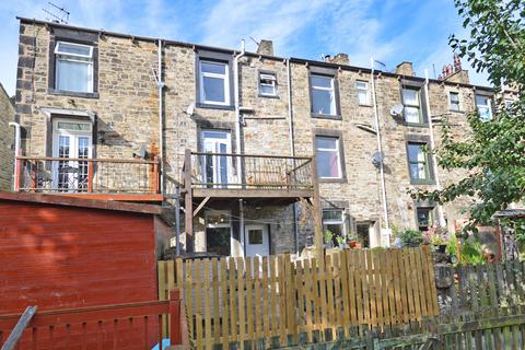 3 bedroom property for sale - 27 Brook Street, Skipton,