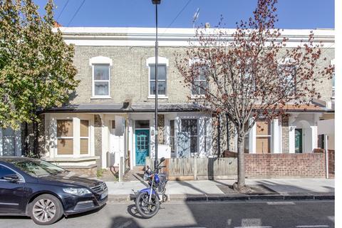 4 bedroom terraced house to rent - Sterne Street, Shepherd's Bush, W12