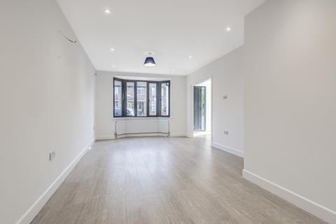 4 bedroom house to rent - Devereux Road Battersea SW11