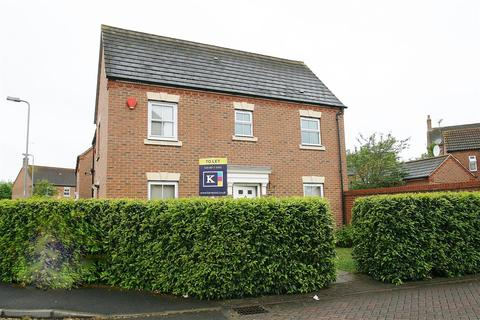 2 bedroom end of terrace house to rent - Langley