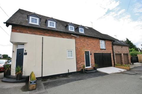 3 bedroom apartment to rent - Shores Lane, Burland