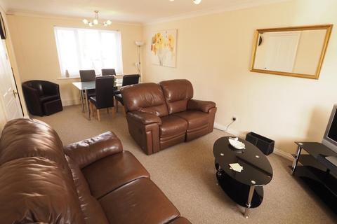 2 bedroom apartment to rent - Lancelot Court, Victoria Dock, Hull, HU9 1QD