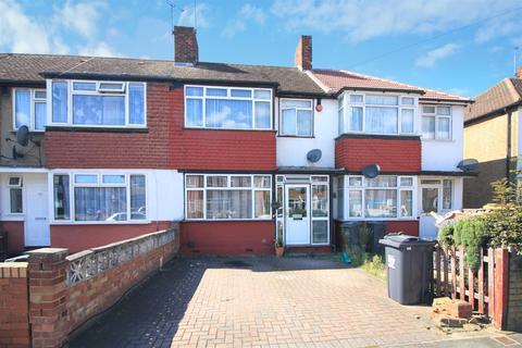 3 bedroom terraced house for sale - Penbury Road, Norwood Green, UB2