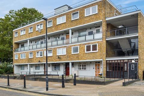 3 bedroom maisonette to rent - Wickford Street, Stepney Green E1