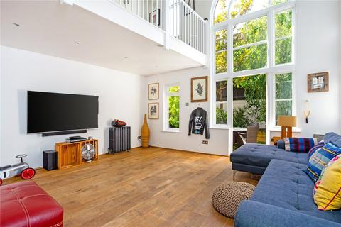 3 bedroom semi-detached house for sale - Harrowgate Road, Homerton, London, E9