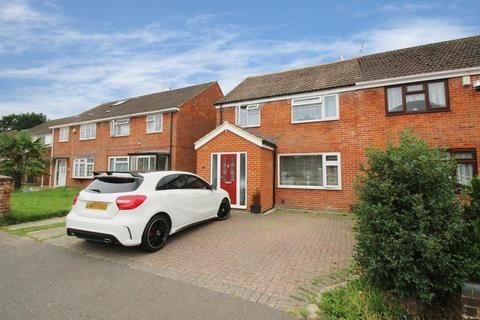 3 bedroom semi-detached house to rent - Tennyson Close, Crawley