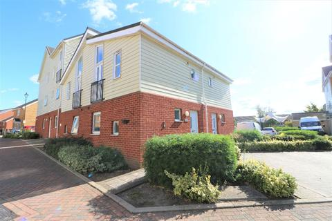 1 bedroom terraced house to rent - Onyx Drive, Sittingbourne