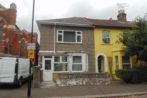 4 bedroom end of terrace house for sale - Clifton Road, Isleworth