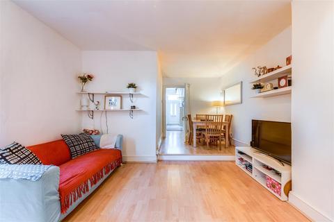 2 bedroom flat for sale - Heysham Road